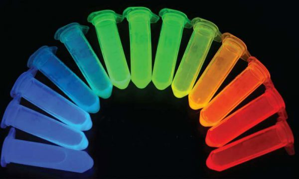 Quantum dots with different colors